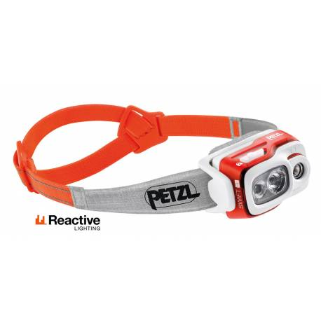Luz frontal Petzl Swift RL Reactive Lighting naranja 900 lm